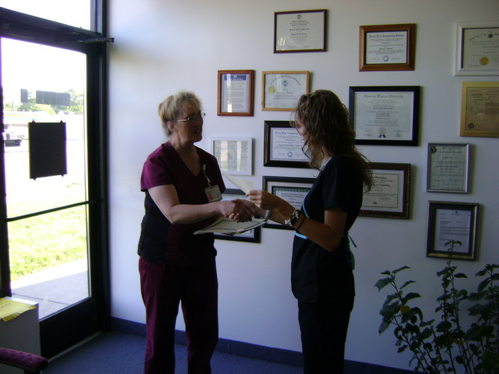 Certified Nursing Assistant 800 Phlebotomy Career Training